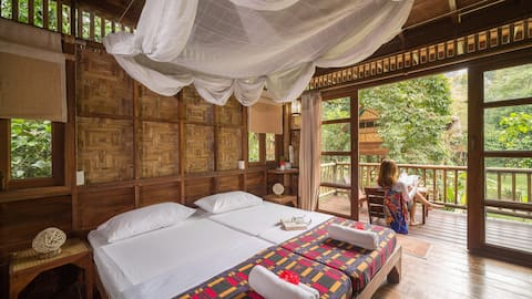 Our Jungle Camp - Eco Resort - Single-Storey Treehouse (Jungle View)