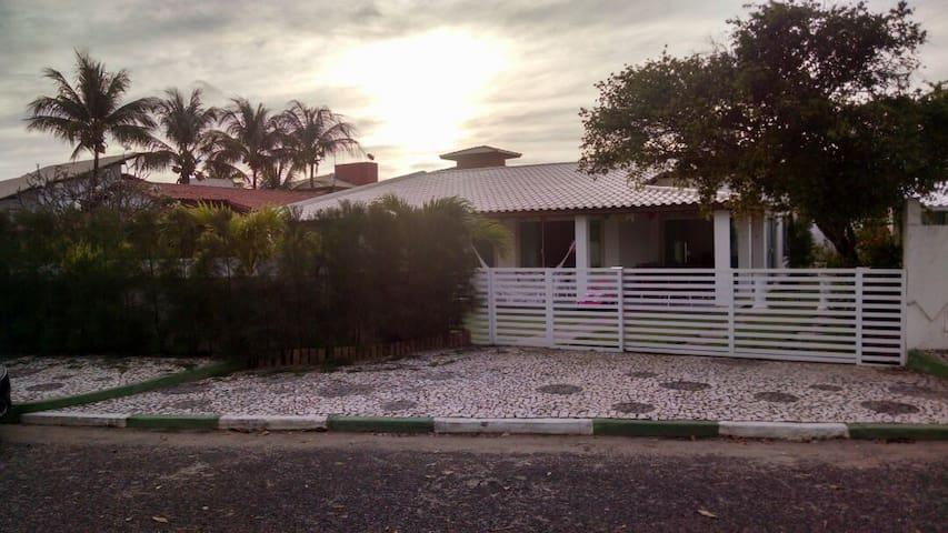 Excelente Casa em Guarajuba - Guarajuba - บ้าน