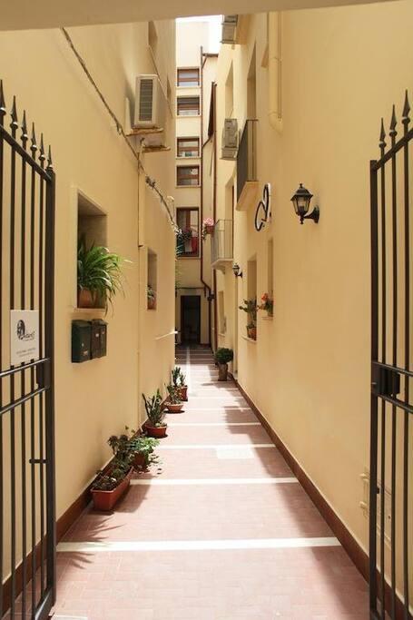 Orfani apartments appartamenti in affitto a trapani for Appartamenti arredati in affitto a trapani