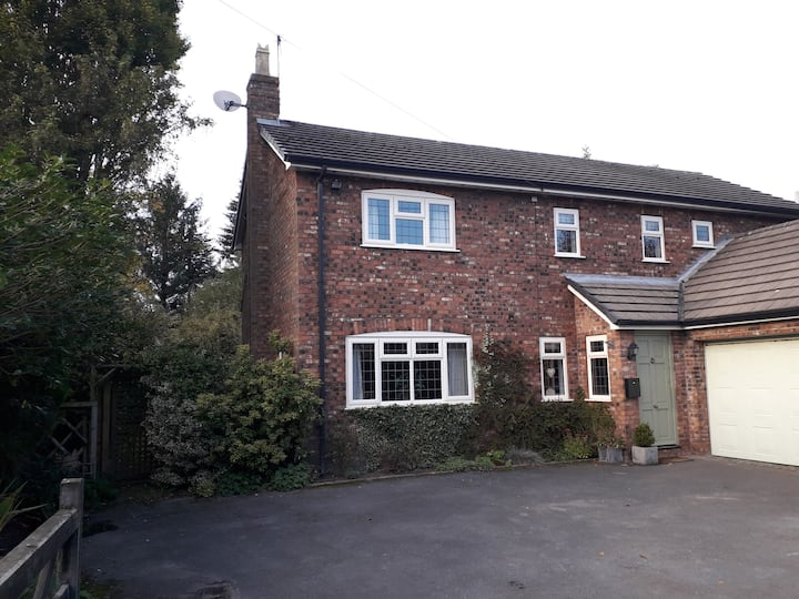 Linden House is a country property offering comfortable, home from home accommodation.