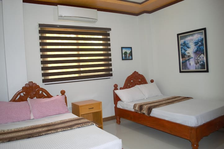 Villa Lourdes (Hundred Islands * for 4pax)