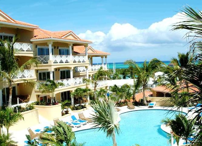 Amazing ocean view condo with large balcony - Providenciales - Byt