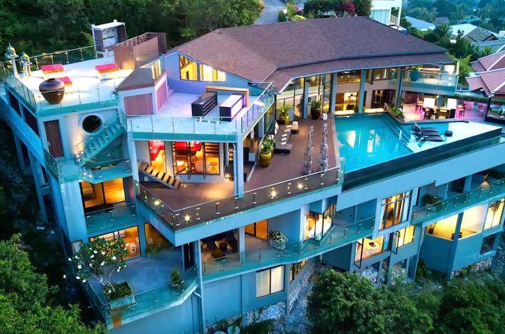 Samui's Most Luxurious Villa - PRIVATE CINEMA
