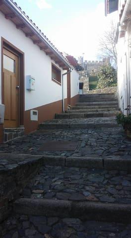 Casa D. Manuel II - Bragança - Dom