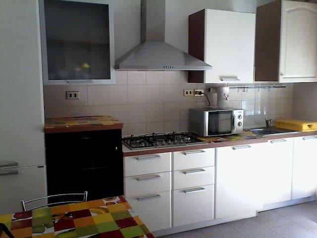 Riccardo's Home - Montignano-Marzocca - Apartemen