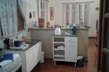 cozinha americana com a sala de estar