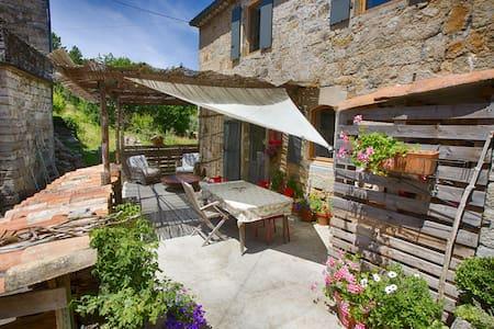 maison dans hameau ardéchois - Chambonas