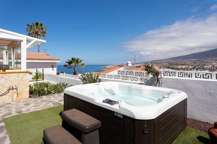 Jill`s dream House ( garden-jacuzzi and sea view)