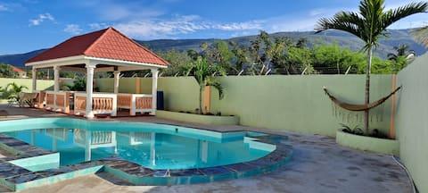 Eve's Rockaway Villa ( Blue Mountains room)