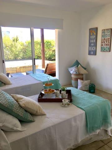 Double Room - View to Garden and Pool - Floor 0
