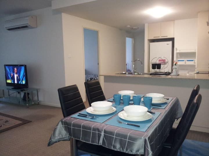 Entire apartment F/F 2BR for max 4 ppl @ Belconnen