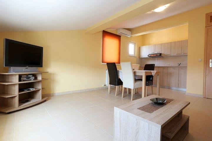 Apartman Relax - ซุโคซัน - อพาร์ทเมนท์