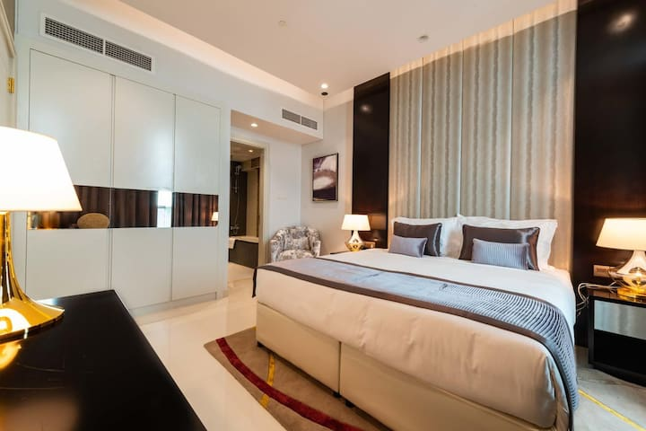 1BR Luxury Apt. Downtown Dubai near Burj Khalifa