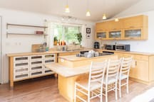 Everything you need to cook up your farmers market finds in this fully equipped kitchen! Coffee maker, filters & sugar, stove top, microwave, toaster oven, pots, pans & more!