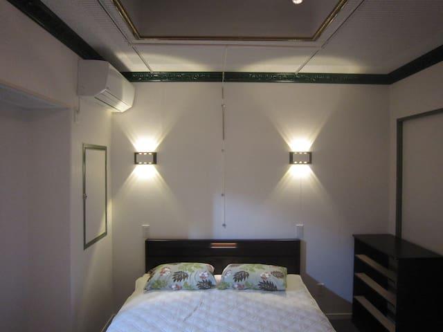 寝室1 Bed room 1