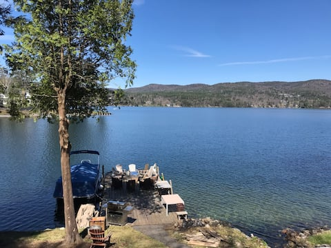 Newly Renovated Lakefront House