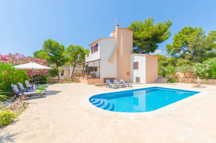 ÀGUEDA - Villa for 6 people in Cala Pi.