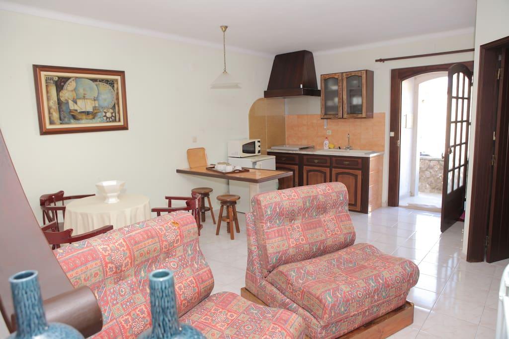 entrada ,cozinha e sala casa da Levada