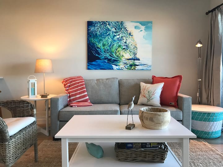 Ocean Waves - Fully Renovated Oceanfront Condo!