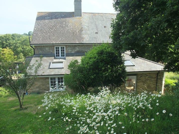 Cottage apartment in Chillerton wildlife garden