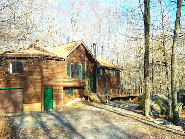 Lake Wallenpaupack dream vacation getaway - Lake Ariel - Holiday home