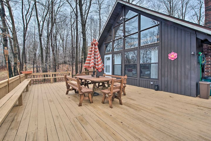 Secluded Poconos Cabin w/ Big Bass Amenities!