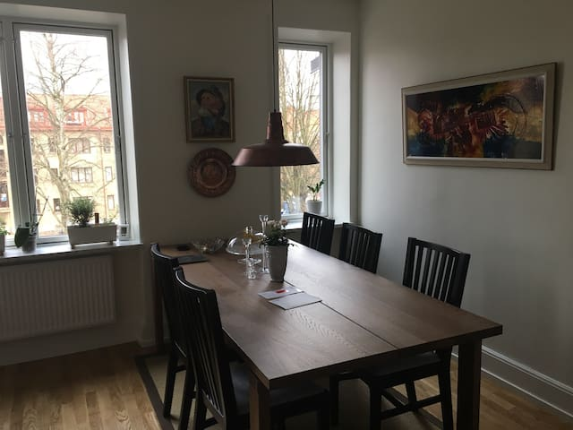 Modern Flat in the City Centre - Örebro - Daire