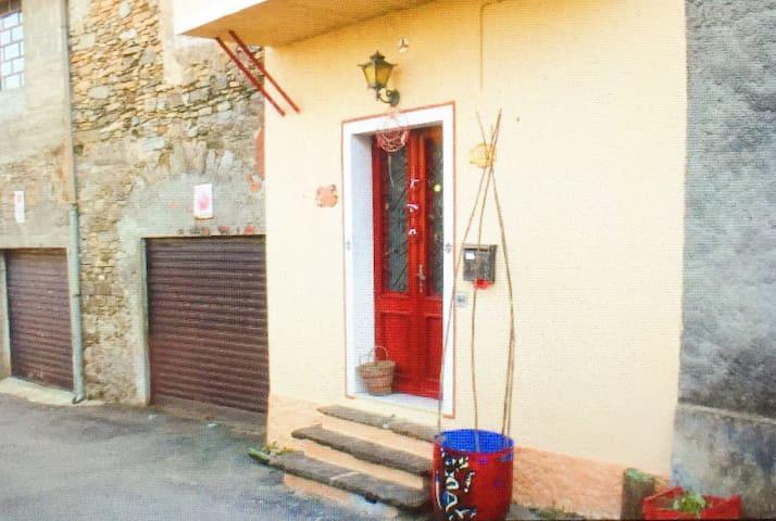 Charming Italian Vintage House. - Valduggia - House