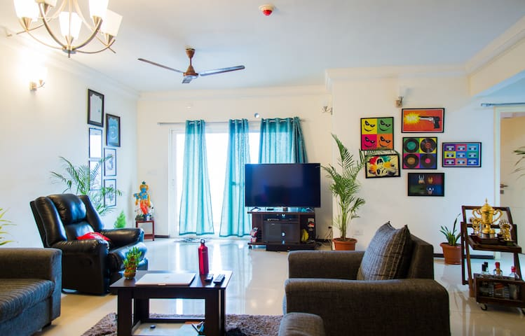 Private room with WiFi, gym nd pool - Bengaluru - Apartment