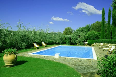 Villa Di Petriolo, sleeps 6 guests - Greve in Chianti - Villa - 0