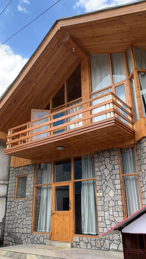 Cozy Cottage in Kullu-Manali
