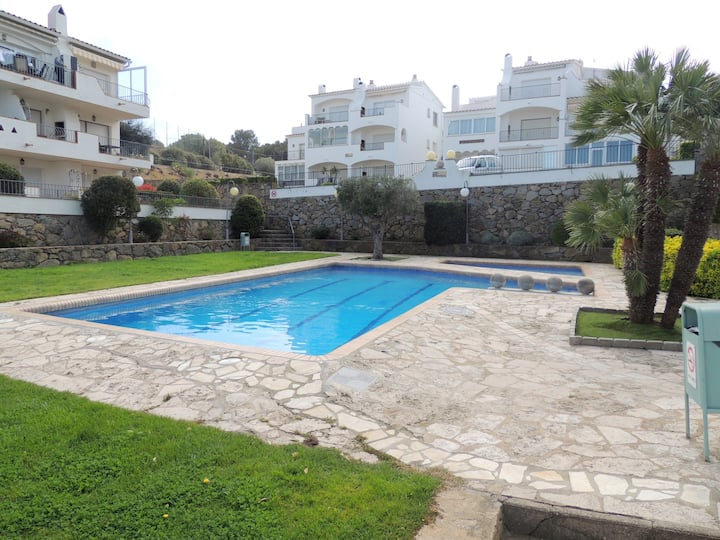Apartment with pool for rent in Roses-JARD3-1B3
