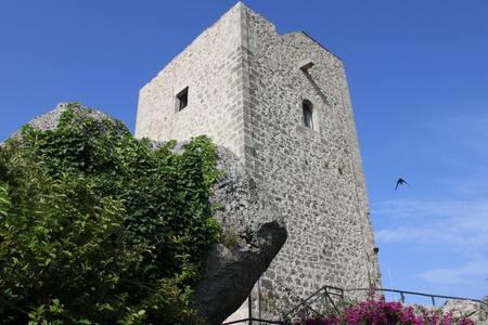 Torre di Castellonorato - Formia - Villa