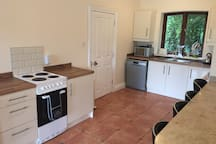 Fully self contained kitchen - cooker, dishwasher, fridge, microwave