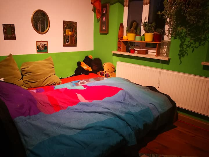 Möbiliertes Zimmer sehr zentral in 90765 Fürth