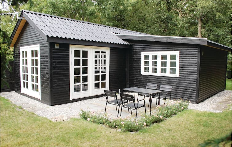 Holiday cottage with 1 bedroom on 50 m² in Ebeltoft