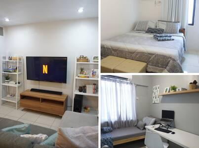 Netflix & Chill 2 Bedroom Condo w/ Fiber Wifi