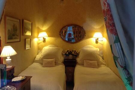 Charming twin room in Stockbridge (Edinburgh)