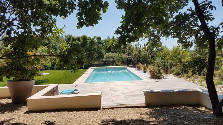 Villa de luxe avec piscine et vue
