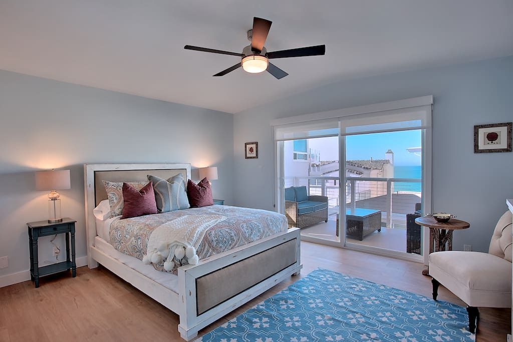 Master Bedroom with Private balcony with ocean view