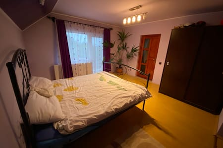 Apartament situat in casa particulara