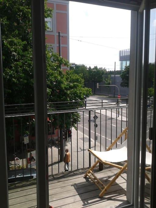 Unser Balkon, darf gerne mitbenutzt werden