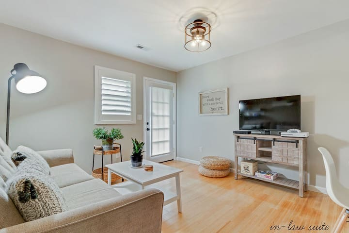 Detached Guest House in Hampstead - SERENITY PLACE