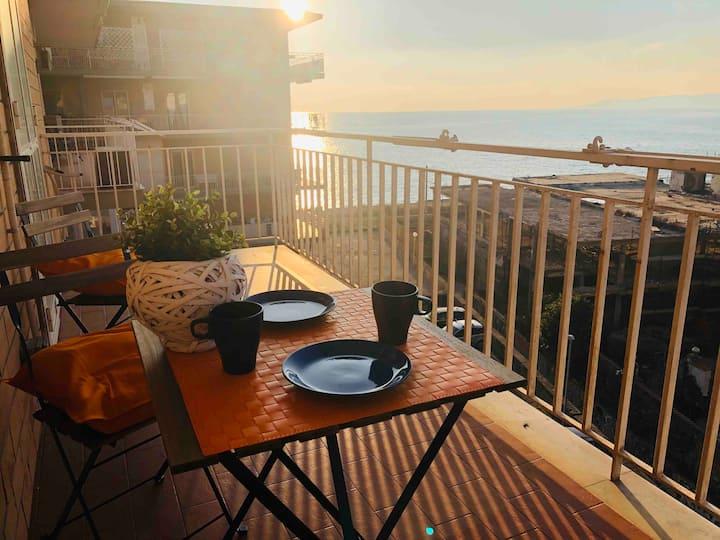 Cozy Blue&Orange apartment with sea view balcony