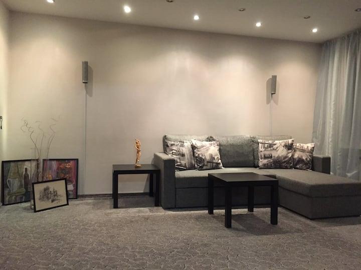 Comfortable 3-bedroom apartment near subway Ozerki