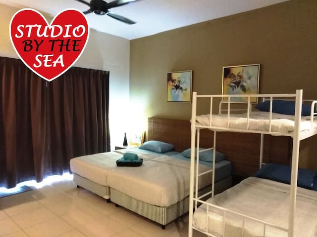 4 pax Studio by the sea Gold Coast Morib WaterPark