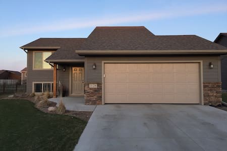 Basement Entirely Yours! - Sioux Falls