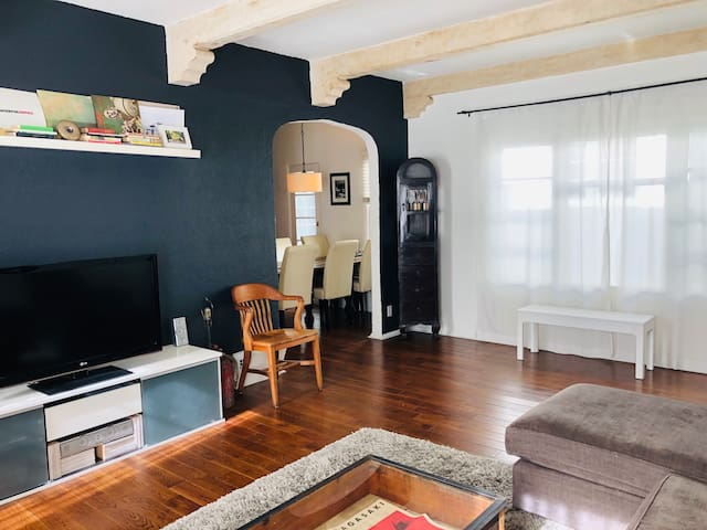 Gorgeous 1 Bedroom in LA (Los Feliz)