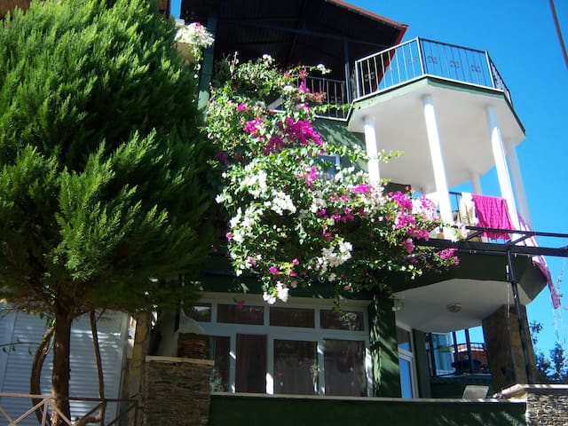 PEACEFULL TRIBLEX HOME IN THE FOREST - Marmaris - Villa