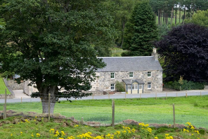Rathmhor, Lynchat , Cairngorms National Park